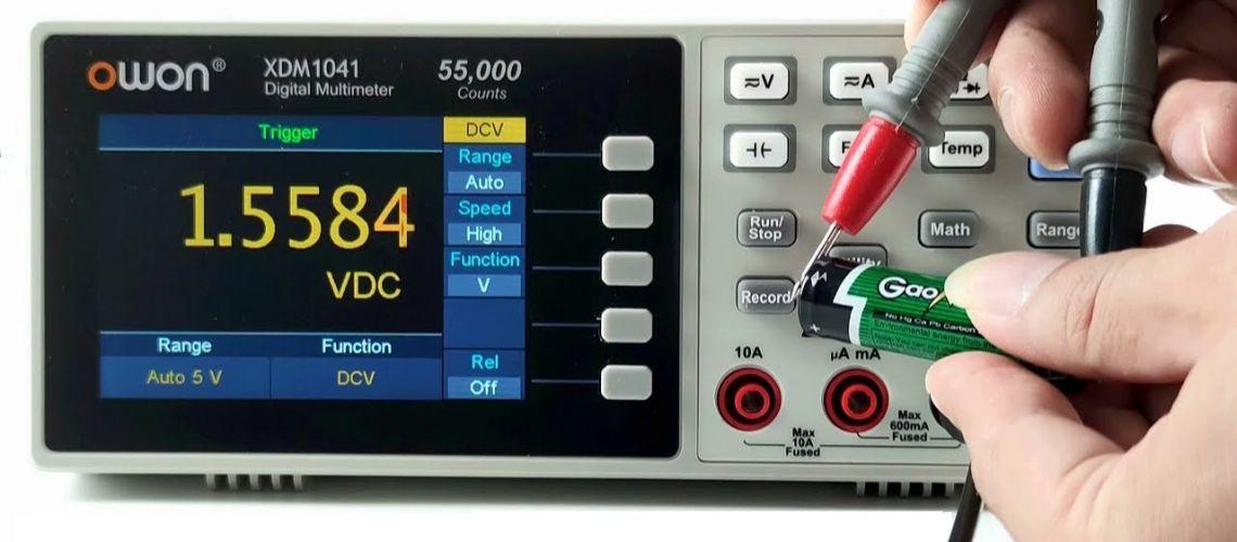 2. Stolný multimeter OWON XDM1041 - merania, rozsahy, presnosť a konektivita s PC.