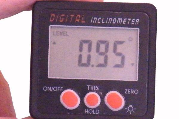 Digitálny inklinometer - sklonomer