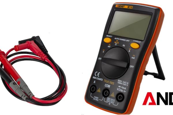 Malý, jednoduchý a šikovný digitálny multimeter Aneng M10