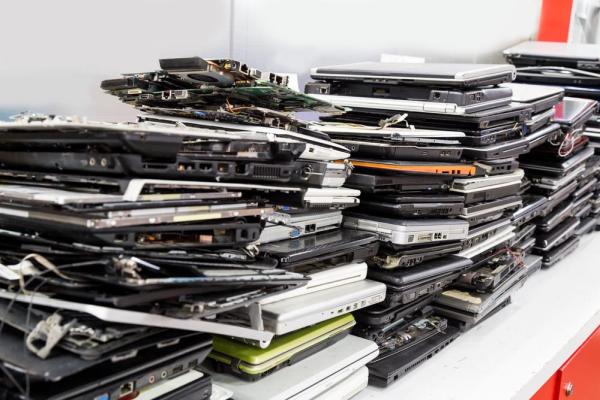 Niekoľko dôležitých veci, ktoré by ste mali vedieť o recyklácii elektroniky