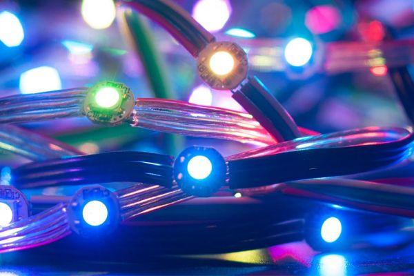 Osvetlenie vianočného stromčeka prostredníctvom WI-FI