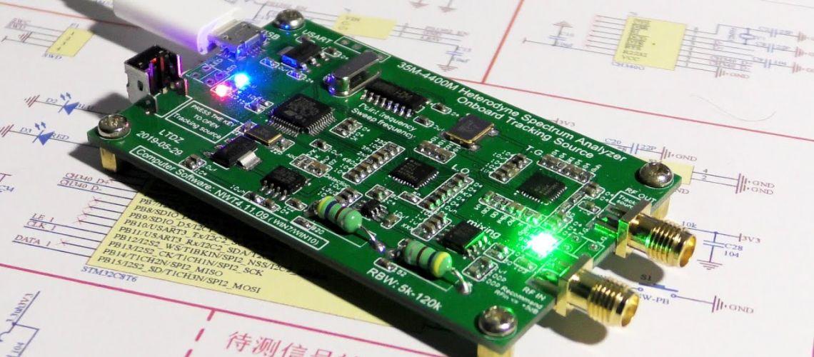 Test levného spektrálního analyzátoru do 4,4GHz z Banggoodu