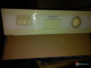 Ovládací panel k pračce Electrolux ESF472