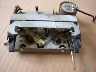 Magnetofónová mechanika zo starého autorádia