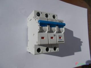 Istič SCHRACK, 3fázový/10A/B