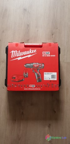 milwaukee-aku-vrtacka-skrutkovac-m12-bdd-202c-big-0