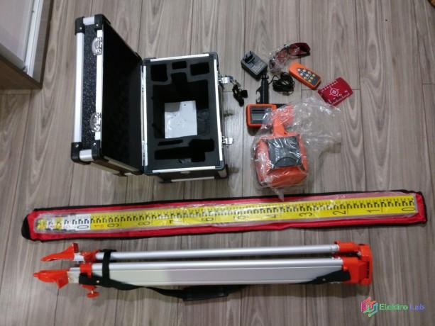 rotacny-laser-nivelak-nivelacna-lata-stativ-novy-big-0