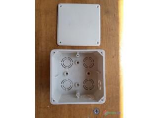Inštalačná krabica (štvorcová) (KO 100) 500V