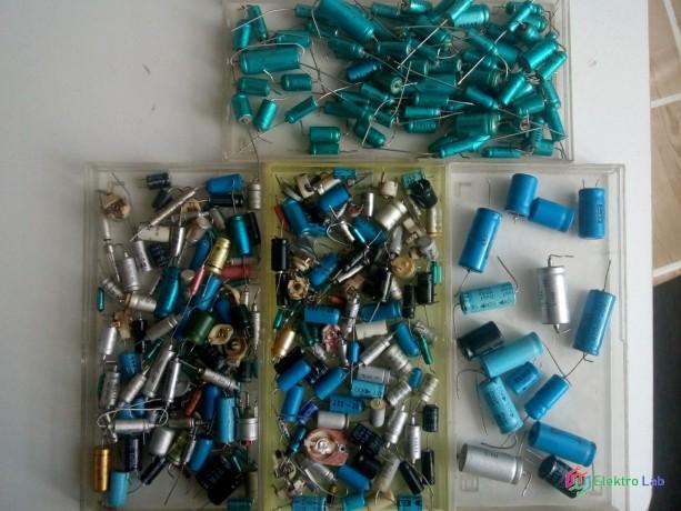 zmes-komponentov-cievky-tranzistory-rezistory-kondenzatory-integrovane-obvody-big-7
