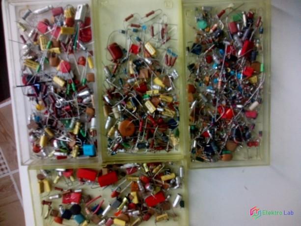 zmes-komponentov-cievky-tranzistory-rezistory-kondenzatory-integrovane-obvody-big-9