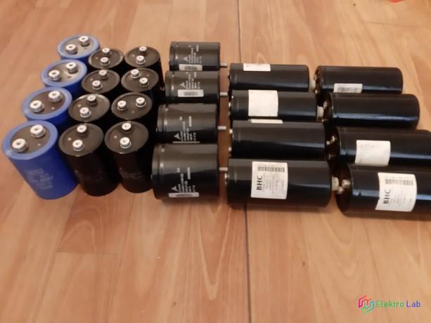 vacsie-elektrolyticke-kondenzatory-rozne-kapacity-big-0