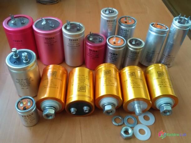 elektrolyticke-kondenzatory-big-0