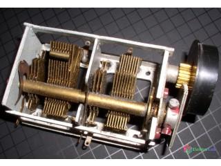 Otočné kondenzátory a kapacitné trimre