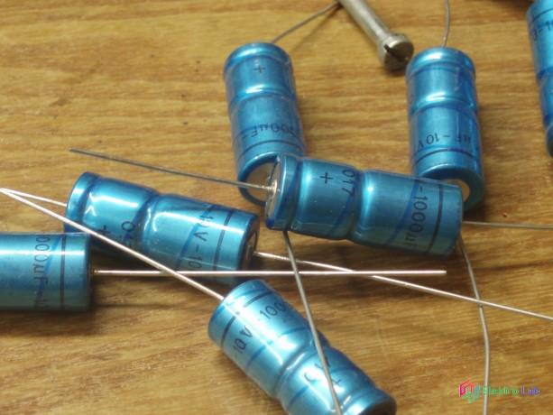 elektrolyticke-kondenzatory-rozne-big-3