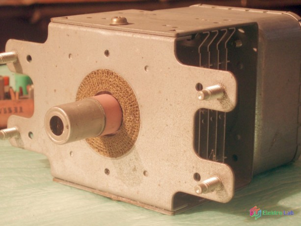 generator-do-mikrovlnky-big-1